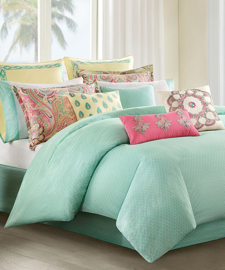 Image of: Coral and Turquoise Bedding Stylish