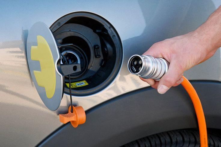 Самые популярные электромобили в Украине – обзор и цены