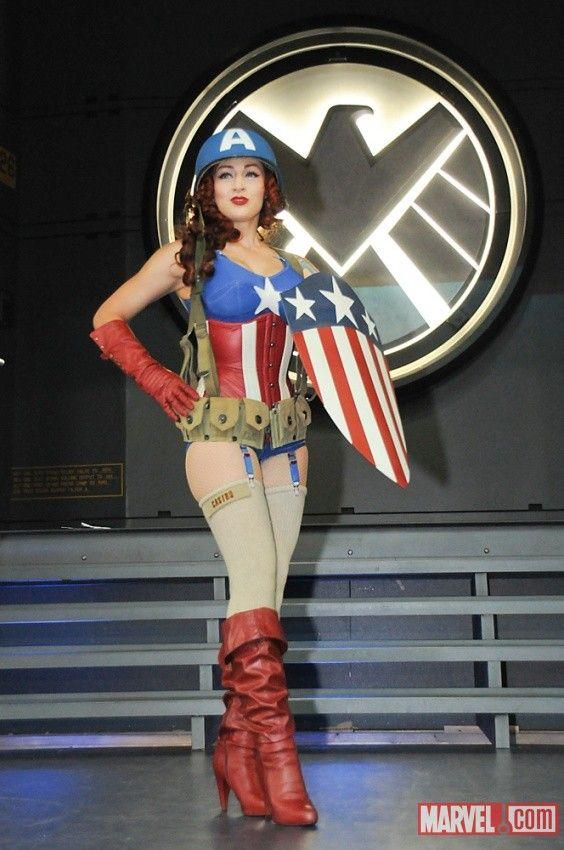 1940's Female Captain America at the Marvel Costume