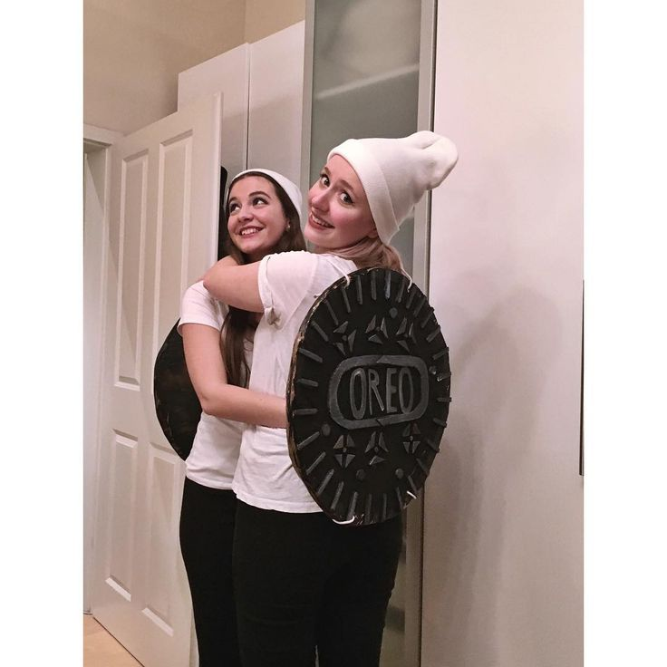 Oreo: A super easy Halloween costume for couples or BFFs obsessed with food.