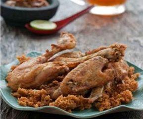Inilah Ternyata Resep Ayam Goreng ala Ny. Suharti. Yang Enak Sampai Gigitan Terakhir!