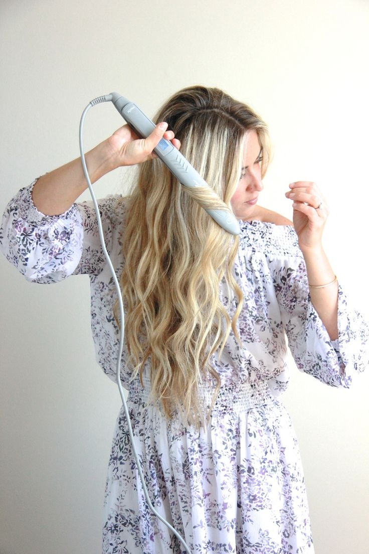 A Fashion Love Affair | Wavy Hair Tutorial with Flat Iron