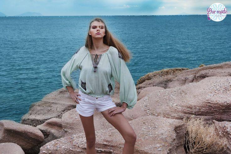 Top Afef・Salt in the air Sand in my hair lookbook