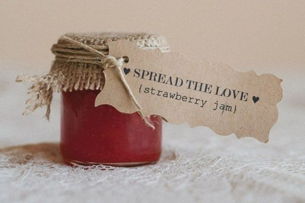 Wedding favor labels, I would love to make homemade jam for all my guests :)