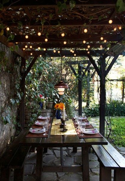 . #garden heaven: Outdoor Dining, Idea, String Lights, Dinners Parties, Picnics Tables, Outdoorspac, Backyard, Outdoor Spaces, Outdoor Eating