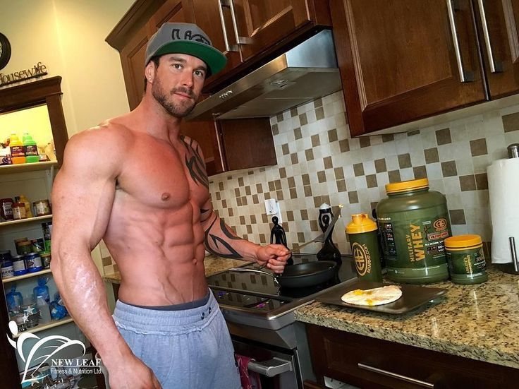 Tomorrow morning maybe? #Repost @jlbreau  @advancedgenetics Carbfree ProCakes: Men's Serving: 1 scoop Military Whey Vanilla 1 scoop Athletes Superfoods 250g Egg Whites 1/2tsp Cinnamon 5g Coconut Oil & 10g Peanut Butter (melted over top when cooked.) >>Whisk or Blend together and fry on non-stick pan covered on low heat or waffle maker. >>Top with Waldens Farms pancake syrup or Sugar Free Jam. P:50g C:3g F:10g - Women Serving; cut portion in (1/2) half. This Very Low carb protein pancake…