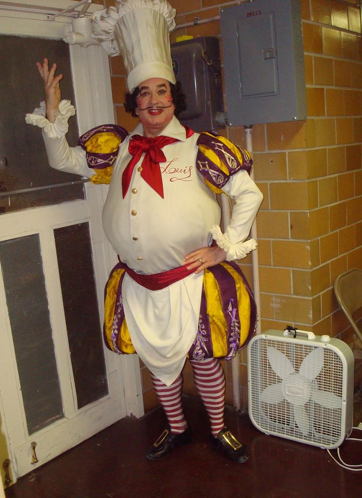 Photo of Chef Louis backstage for fans of The Little Mermaid on Broadway. Sebastian better hide!