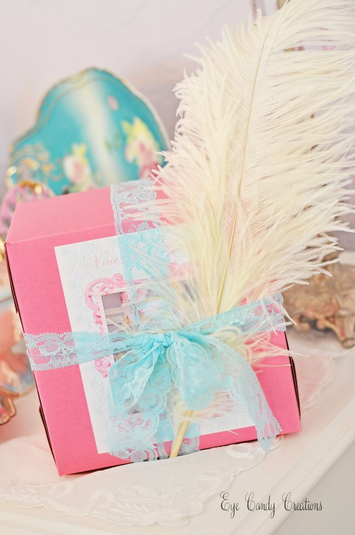 17 best images about marie antoinette party ideas on for Idea for door gift