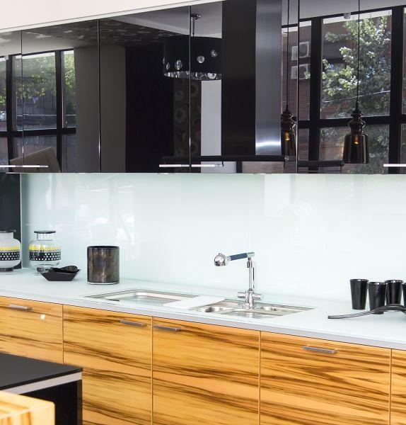 die besten 25 k chenr ckwand plexiglas ideen auf pinterest k chenr ckwand glas spritzschutz. Black Bedroom Furniture Sets. Home Design Ideas