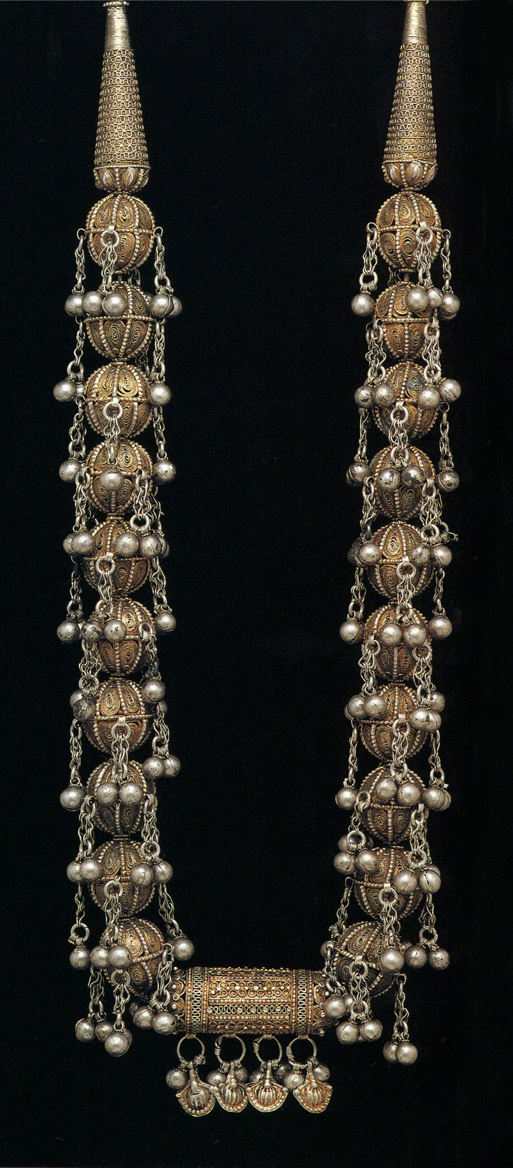 Yemen | Bridal necklace; gilded silver | ©The Splendour of Ethnic Jewelry: From the Colette and Jean-Pierre Ghysels Collection.  Text:  France Borel.  Photographs:  John Bigelow Taylor.  Thames and Hudson, 1994.  Page 112