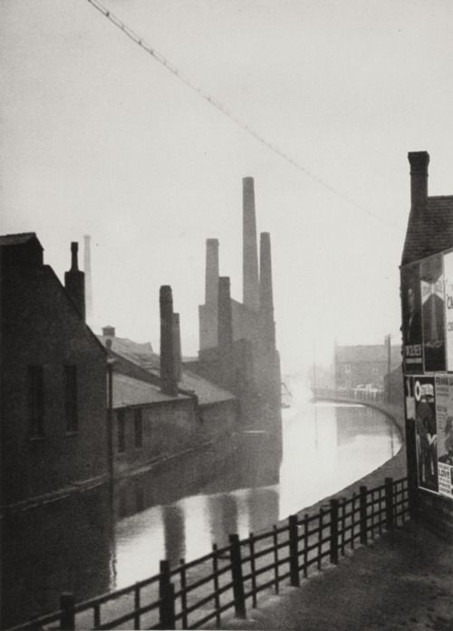The Canal, Manchester, Lancashire, 1925 by E.O. Hoppé - although true a canal barge would take weeks to reach it's destination they would be followed in as little as 15 minutes later by the next one creating a chain meaning cargo was constantly arriving.