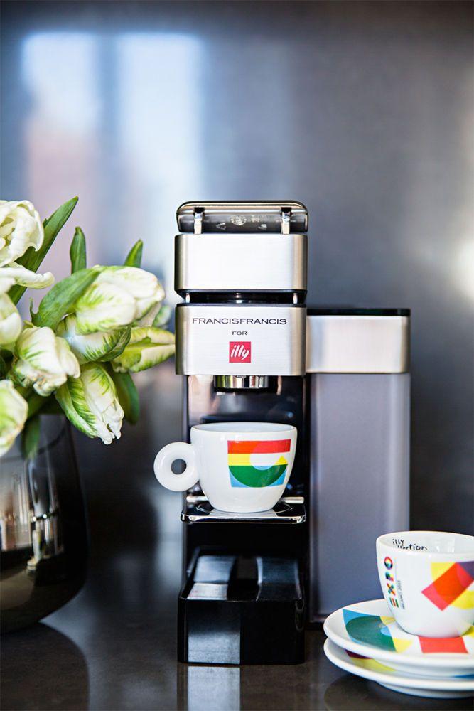 Nifty, small Illy cafe espresso machine