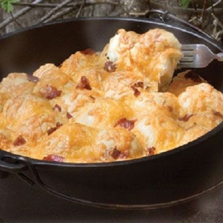 Bacon Cheese Pull Aparts In The Dutch Oven: Dutch Oven Bacon Cheese Pull Aparts (by Rhodes Rolls