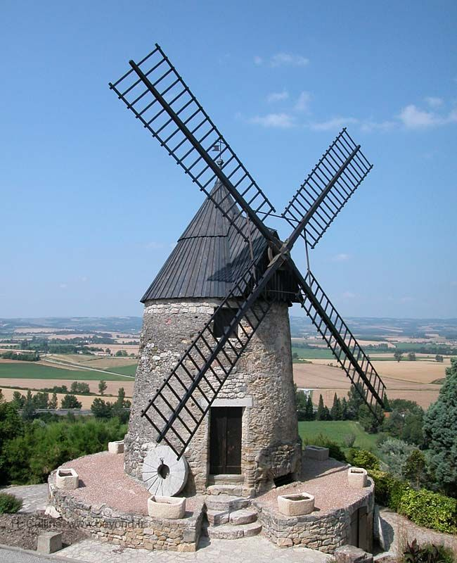 Moulin a vent de Cugarel, Cugarel windmill, built in the 17th century, Castelnaudary, Languedoc-Roussillion, France