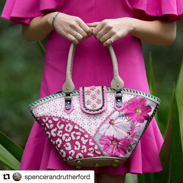 As Brisbanes only stockist you can now buy your @spencerandrutherford beautiful designer bags at Belle Folie and Wendy Louise Designs  Gallery Level @brisbanearcade  new stock coming next week ! #wendylouiseaustralia #wendylouiseloves #designerbags #brisbane #australiandesign #originalbag #fashion #accessorylover #prettyinpink #christmasshopping