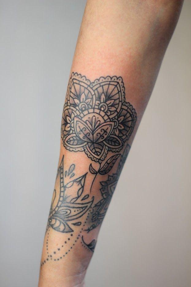Mandala Flower#tattoos #tattoo #inked #art #design #doodle #drawing #mandaladrawing #mandalasketch #mandaladesign #linework #linetattoo #unalome #friends #friendshiptattoo #friendstattoo #love #lovetattoo #heart #hearttattoo #smalltattoo #boheiminan #dotwork #shading #blackandgrey #femaletattooartist #tattooartist #scheveningen #delft #rotterdam #Leiden #dutch #holland #thenetherlands #thehague #denhaag #Redhottattoos #lotus #lotustattoo #flower #flowertattoo #femaletattoo