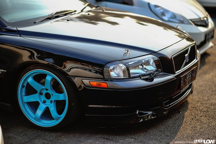 Stanced Hendrikabenk's Volvo S80 http://www.gettinlow.com/hendrikabenks-2001-volvo-s80/