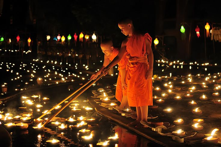 Celebration of loi krathong in Chiang mai, Thailand (Yee Peng Festival)