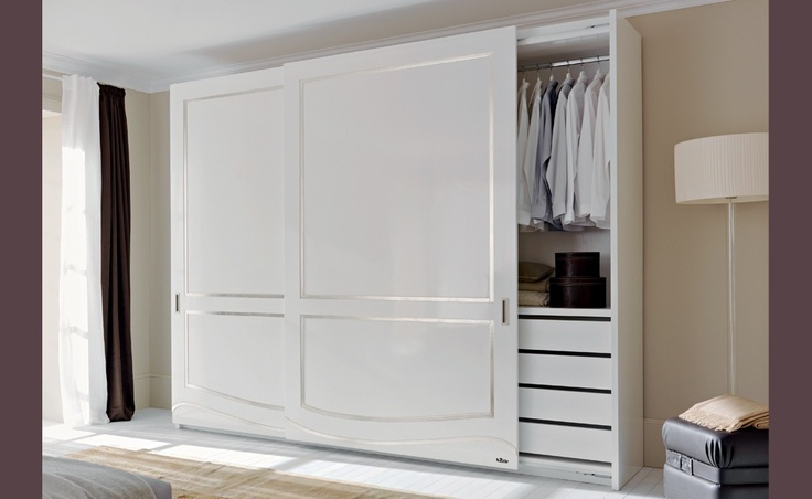 Fiore - Bouquet |Classic Collections Le Fablier | 2 sliding doors wardrobe  | Measures in cm (LxDxH)297x67x253  | Standard equipment: 1 chest of drawers - 3 shelves - 3 clothes hangers