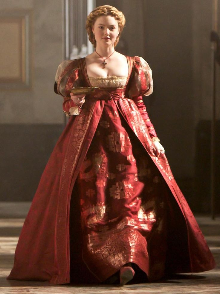 Holliday Grainger. Here as Lucrezia Borgia on The Borgias. Costume designed by Gabriella Pescucci.- silhouette