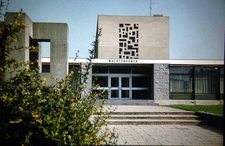 Scholengemeenschap De Wachtendonck, 1980. Er zat toendertijd een HBO opleiding Diëtiste, een HBO opleiding Toegepaste Huishoudwetenschappen en een MBO opleiding Textile Vormgeving.
