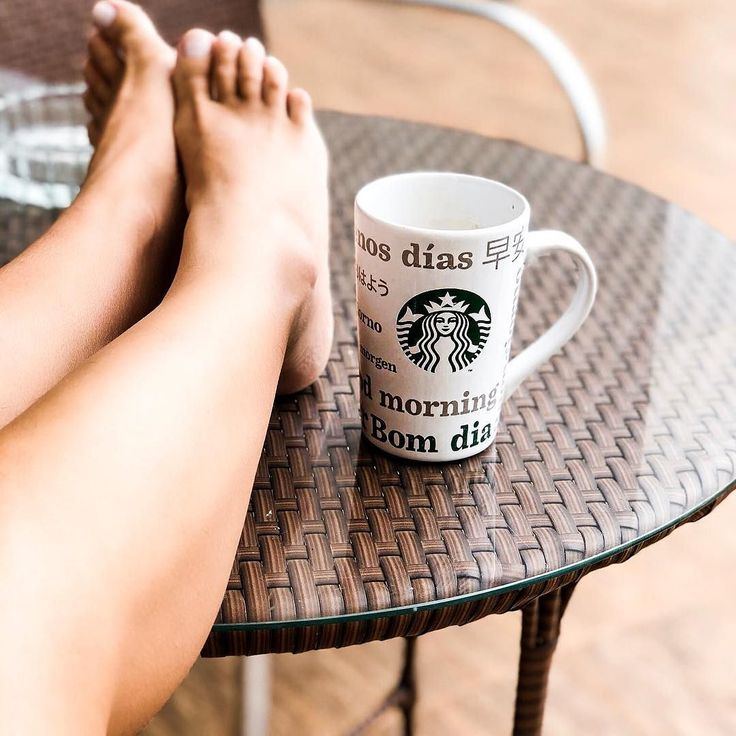 Lazy sunday morning!     #mycoffee #coffee #coffeefirst #coffeetime #sunday #domingo #cafe #mymood #inspovh #vanessahorita