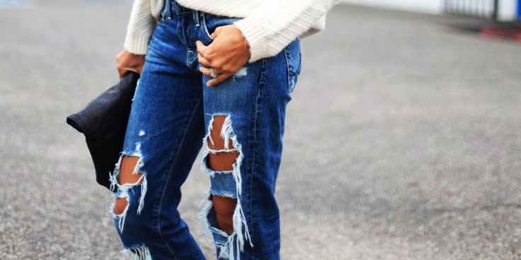 Modele de Blugi Boyfriend Rupti La Moda in Acest Sezon