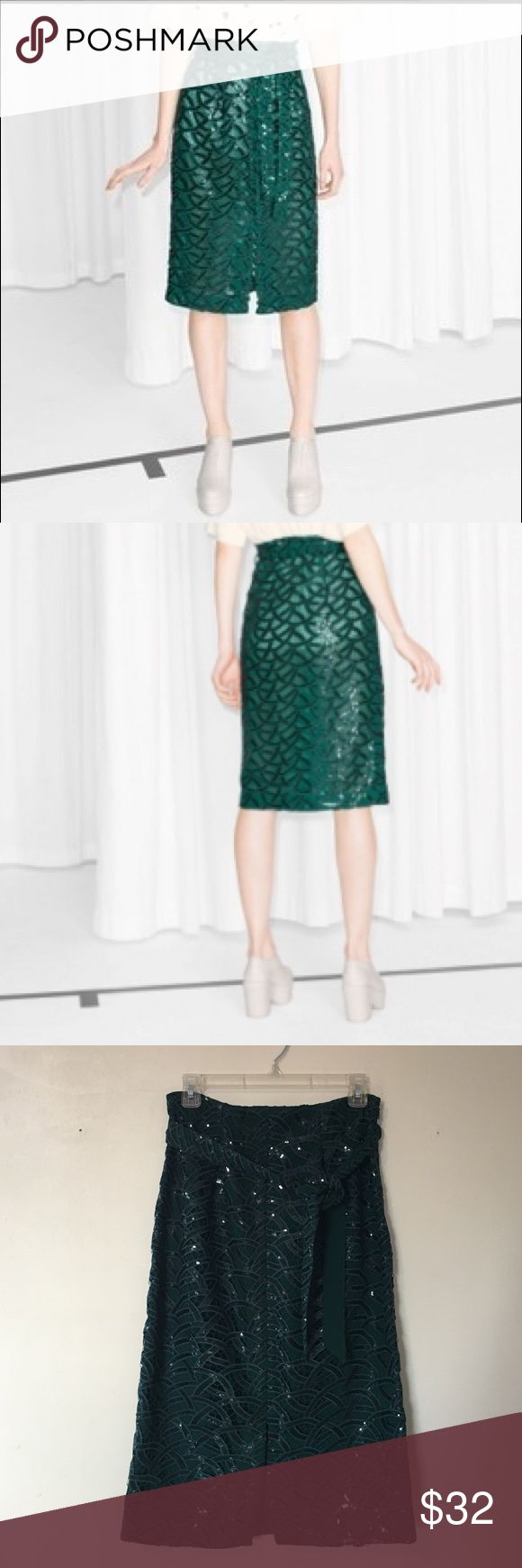 & Other Stories - Green Sequin Skirt This & Other Stories skirt is magic, classy and festive! High waisted pen skirt shape with belt in the waist. Never used. & other stories  Skirts Pencil