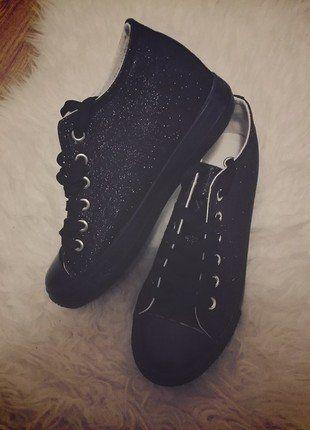 Kup mój przedmiot na #vintedpl http://www.vinted.pl/damskie-obuwie/trampki/16449255-brokatowe-trampki-koturn-38-nowe-czarne-black-blyszczy-wow