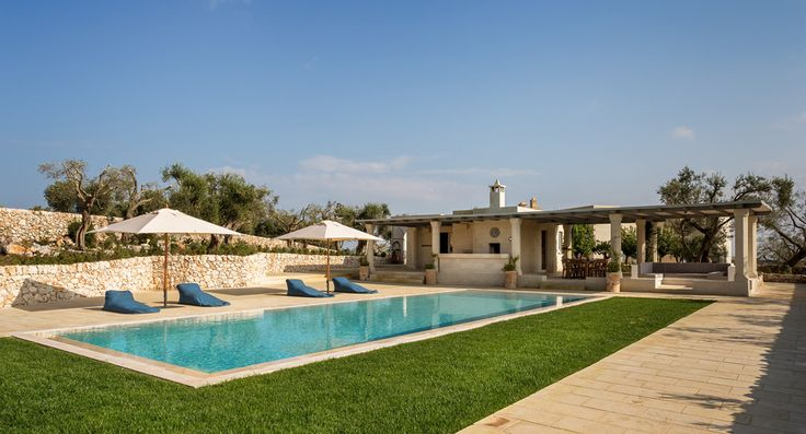 Masseria Pino Marittimo Puglia Sleeps 14. This magnificent luxury villa in Puglia is superbly comfortable and with a fabulous pool area with children's games room and kitchen.