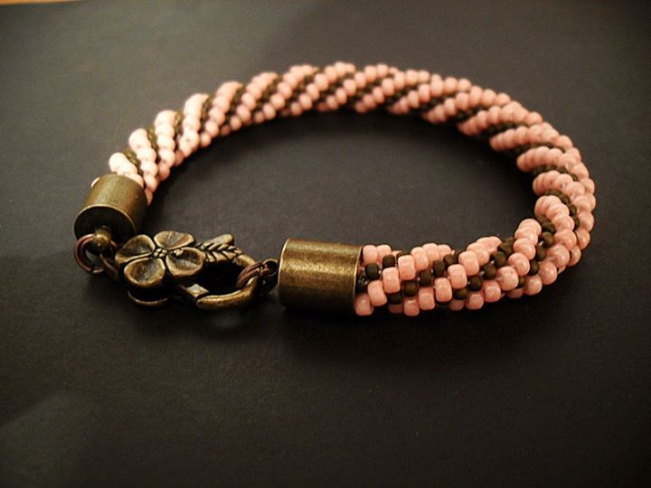 #09 #toho #beads #salmon-colored