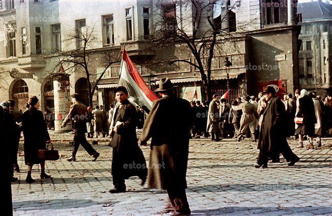 UNGARN, 11.1956.Budapest, VIII. Bezirk.Ungarn-Aufstand / Hungarian uprising 23.10.-04.11.1956:.Nach dem Waffenstillstand vom 28.10 und dem R...