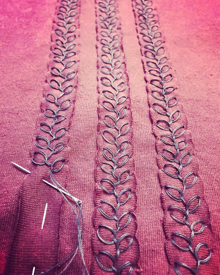 stitching stripes with the rosebud stitch. Alabama Chanin