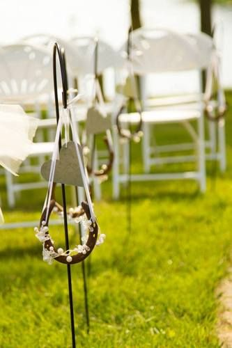 Horse shoes?!?! what a cute idea for a country wedding theme!!