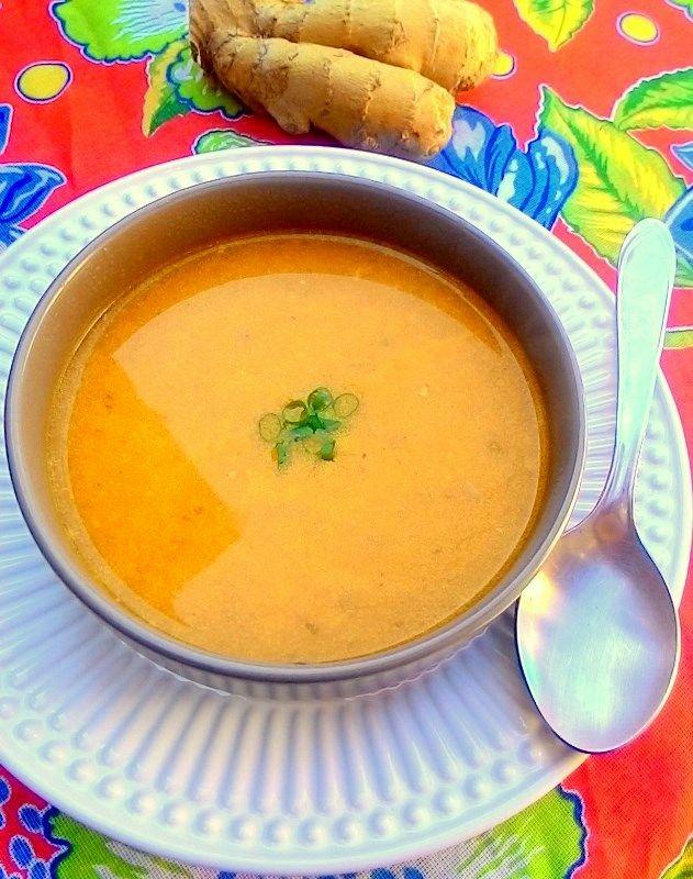 Sopa de abóbora com gengibre