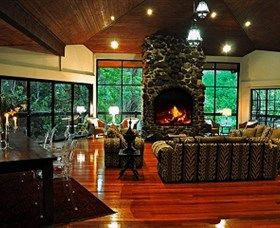 Escarpment Retreat and Day Spa: The Escarpment Retreat and Day Spa is an international award-winning mountain rainforest sanctuary perched on top of Mt Tamborine. Set on four acres of botanical gardens, complete with flowing stream, small waterfall and cliff views as far as the...