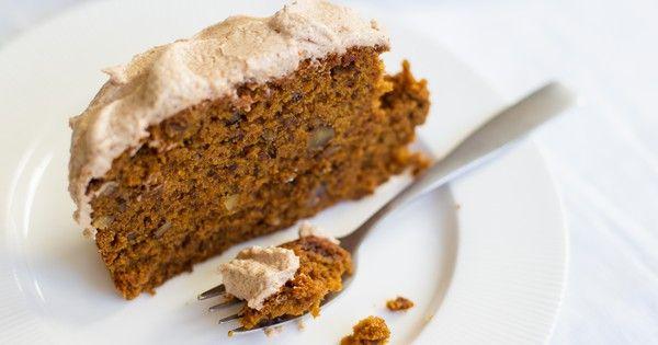Pumpkin-walnut gingerbread with spiced buttercream frosting [Vegan, Gluten-Free]