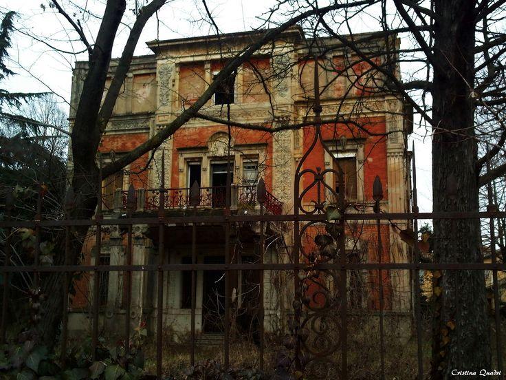 Case abbandonate villa flora borgo panigale bo cara for Case abbandonate italia