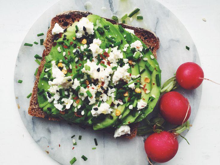 Avokadomacka med fetaost och gräslök | Köket.se