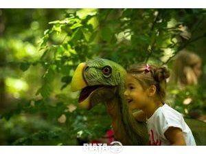 Turism, Cazare-Turism, Excursie in lumea fantastica a dinozaurilor, imaginea 1 din 2