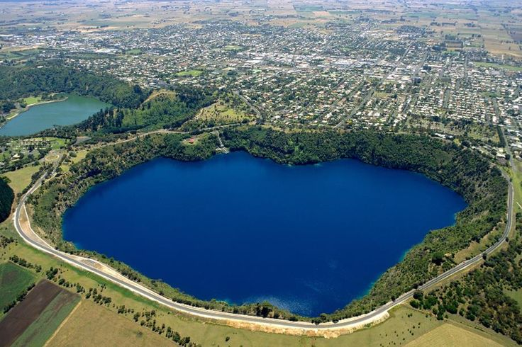 Mount Gambier's Top 10 Attractions - Blue Lake, Tantanoola Caves