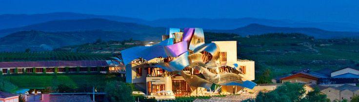 Hotel Marques De Riscal Elciego. Vista Noctura Exterior. 823x234