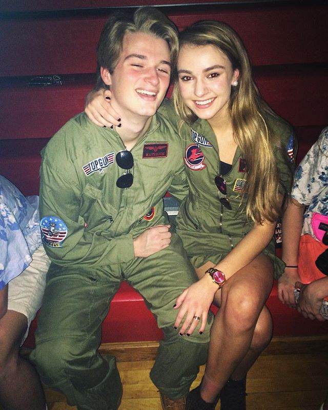 Pin for Later: 40 Nostalgic Couples Costumes That Would Make the Perfect #TBT Maverick and Goose From Top Gun