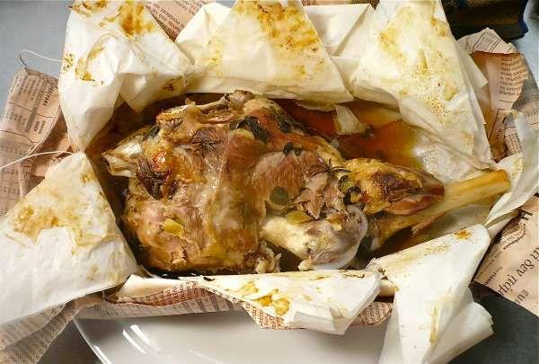 συνταγή αρνάκι ή κατσικάκι στη λαδόκολα