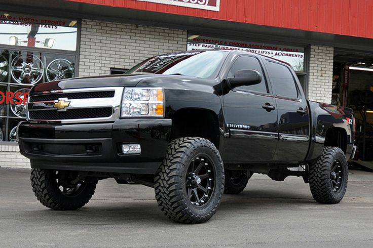 "lift kit for 2008 silverado | Rough Country Chevy Silverado 7-1/2"" Suspension Lift - AutoTruckToys ..."