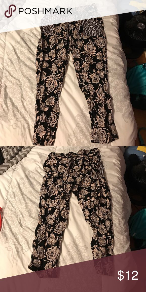 Medium floral printed MC Hammer type pants. Worn once. Great condition. Has pockets. American Eagle Outfitters Pants Ankle & Cropped