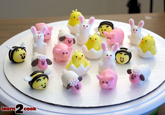 TUTORIAL! How to make these gorgeous lil fondant Easter Cupcake toppers! So cute and simple to make! Love the lil hatched chicks and sheeps...adorable! Thanks to Pikko's House