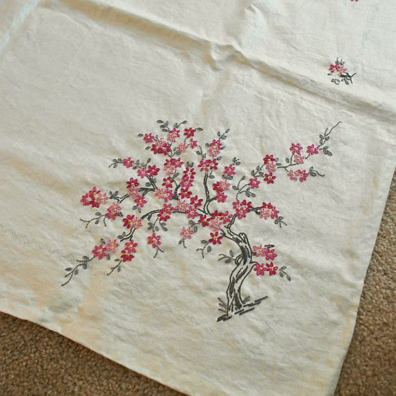 Vintage 50s Ivory Linen Large Tablecloth to Complete Embroider