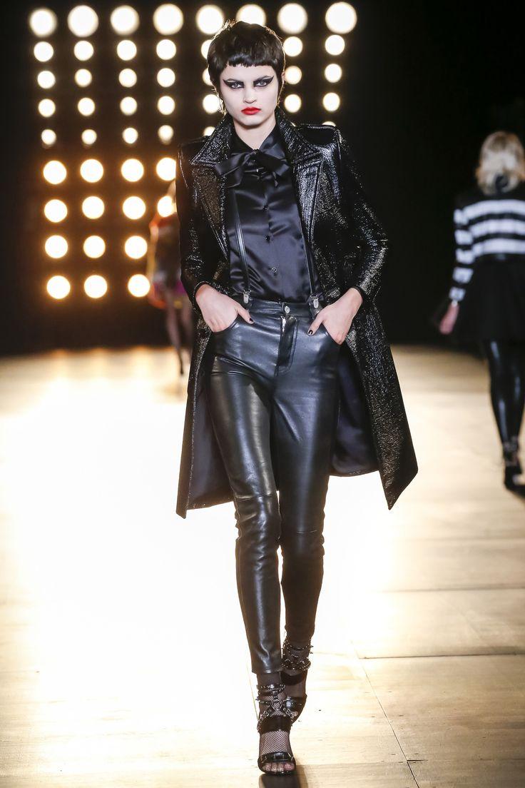 Saint Laurent höst / vinter 2015-2016 Modevisning