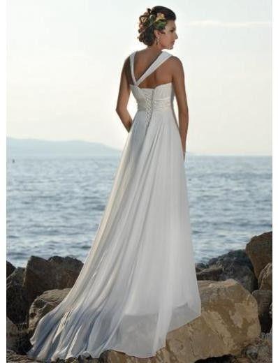 Verleidelijke informele Trouwjurk met ;korte effen sleep. De ;jurk heeft one shoulder met twee bandjes, voorzien van een bloemen applicatie.